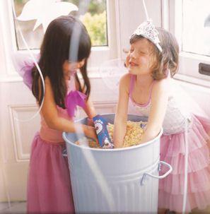 prinsessen aan het grabbelen op kinderfeest