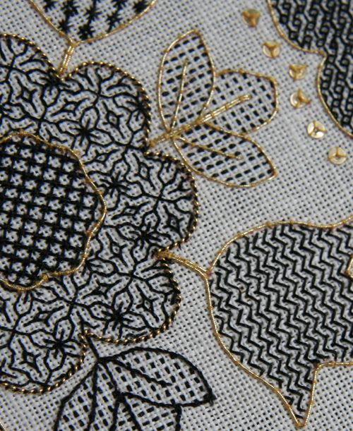 blackwork | Blackwork Hearts and Flowers – Ta da! – The Unbroken Thread