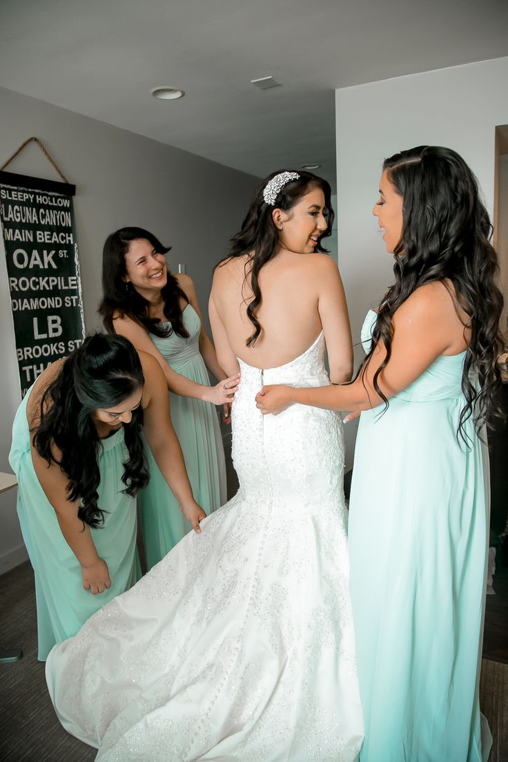 Strapless Oleg Cassini dress from Davids Bridal. Location Laguna Beach. Bridesmaids wearing mint green. True Honest Fashion: My Wedding Day ~ Part 1
