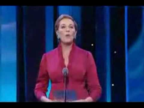 Julie Andrews presents NTA Best Actor to David Tenant (2006). LOVE this.