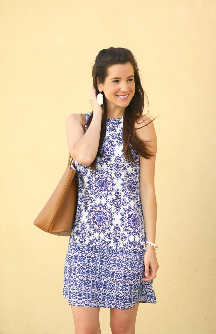 Pretty blue and white vintage print shift dress... would be perfect as a spring wedding guest dress!