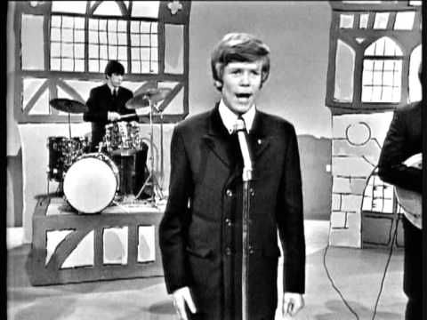 Herman's Hermits - I'm Henry Vlll I Am Another happy song by Herman's Hermits. Interesting fact: No one in the band is named Herman.