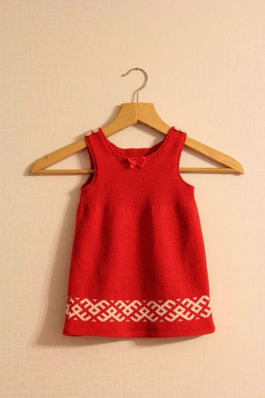 Vauvan mekko, villa, merinovilla, kirjoneule, nimiäiset, tilauksesta, neuleita, neuloa, neulominen, baby dress, wool, merino wool, two-colored knitting, fair isle, namegiving ceremony, customized, knitwear, knit, knitting