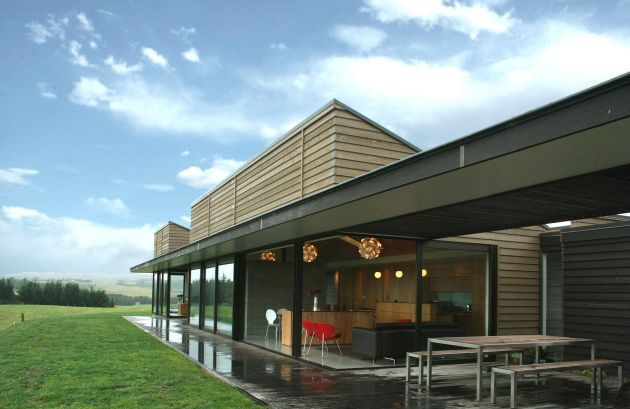 Studio John Irving has designed this rural home in the North Island of New Zealand.