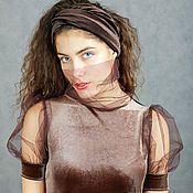 Купить или заказать Vacanze Romane-1210 в интернет-магазине на Ярмарке Мастеров. Авторское комбинированное платье maxi из шоколадного вискозного трикотажа и бежевого кружевного цвета кофе-гляссе. Очень 'вкусное' цветовое сочетание. Приталенный силуэт. Отрезная линия талии. Имитация мини платья надетого на ажурное платье-макси. Края ажурного полотна не обработаны в бохо-стиле. В комплекте два пояса-тоненький трикотажный и бархатный пояс-кушак. Креативность. Стиль. Комфорт.