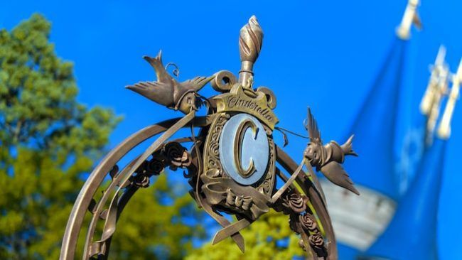 The Magic Kingdom is filled with more than the big E-Ticket attractions like the Haunted Mansion and the Jungle Cruise. Some of my best memories involve discovering a hidden gem that I've never seen before…and then sharing it with all of you! Let's look at a few of the Hidden Gems of the Magic Kingdom: …