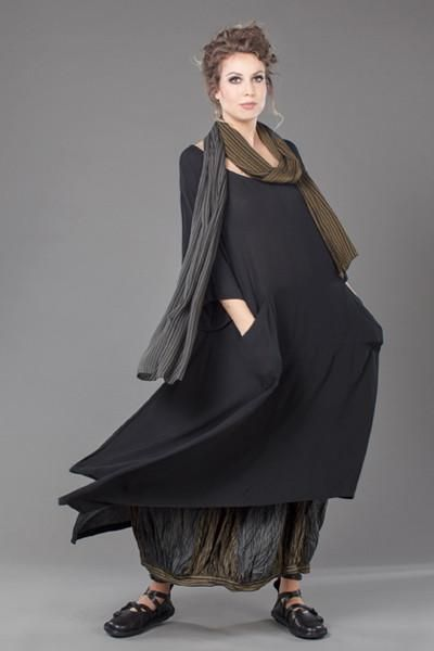 Shown w/ Combi Scarf and Fab Skirt