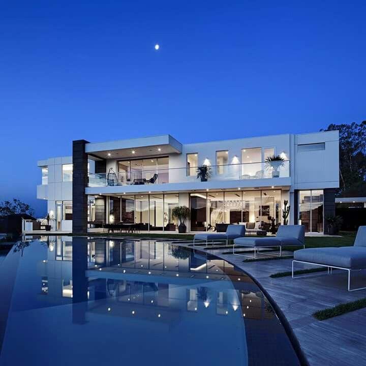 Moderne luxushäuser mit pool  378 besten Szép házak Bilder auf Pinterest | erstaunliche ...