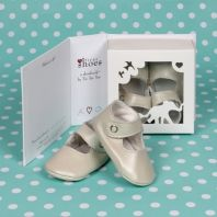 My first shoes gift set