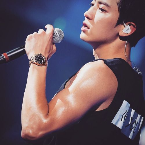 Can we please talk about EXO Chanyeol's recent GAINS ...