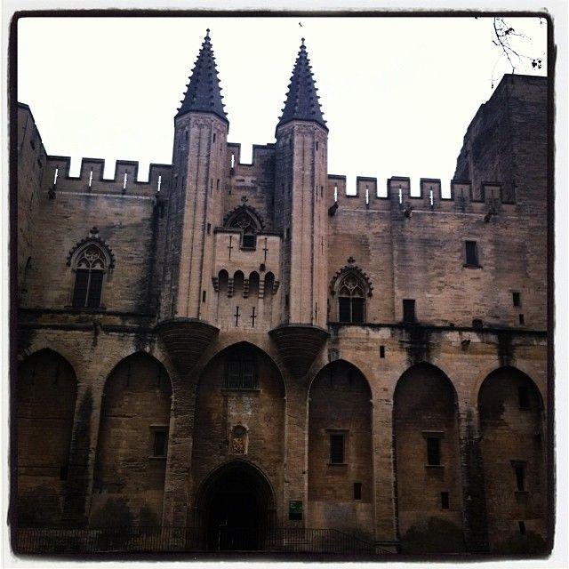 Les 25 meilleures id es concernant palais des papes sur - Office de tourisme andorre la vieille ...