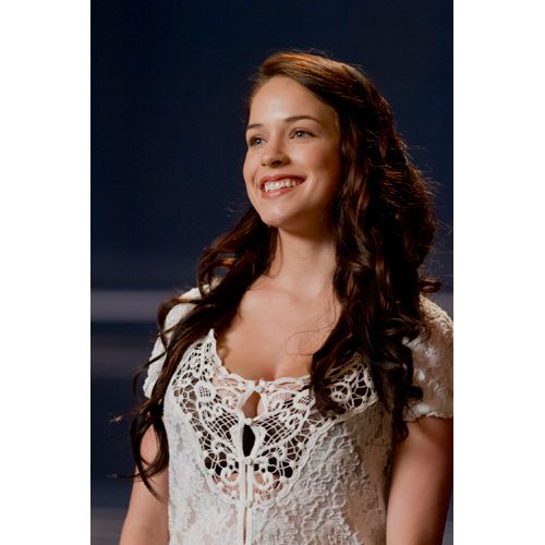 Alexis Knapp. Pitch Perfect. She is tall and I loved her hair and some.... Of her flattering for tall people ensembles.