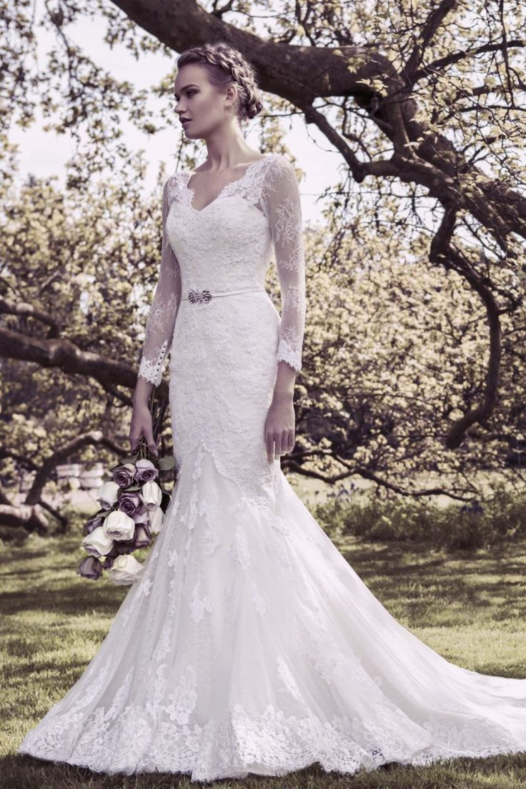 Long Sleeved Dress In Lace Style 11412