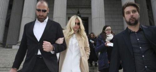 Famosos solidarios con #Ke$ha tras revés judicial...