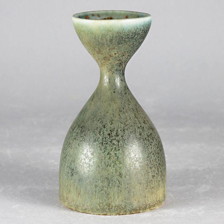 Carl-Harry Stalhane (SXQ 1950s) Green Hourglass Vase