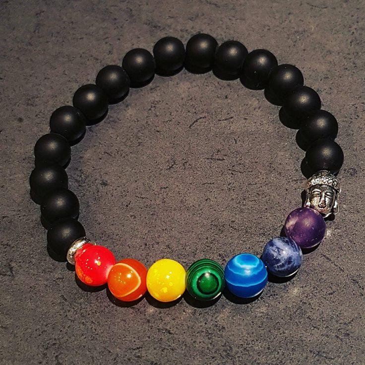 Voici ce que je viens d'ajouter dans ma boutique #etsy: Bracelet Noir, 7 chakras, Bouddha, Cornaline, Améthiste, Agate, Quartz, unisexe, élastique #bijoux #bracelet #noir #gemme #hommes #femmes http://etsy.me/2HPsgAo