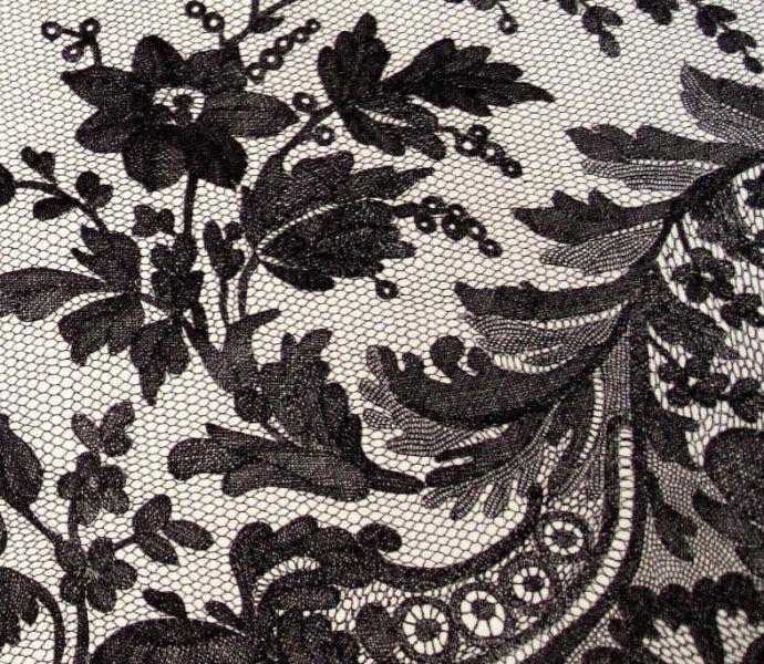 black-lace-shawl-detail2