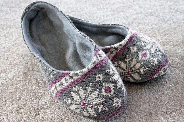 Scandinavian slippers-sleepers from an old sweater  - slipper pattern