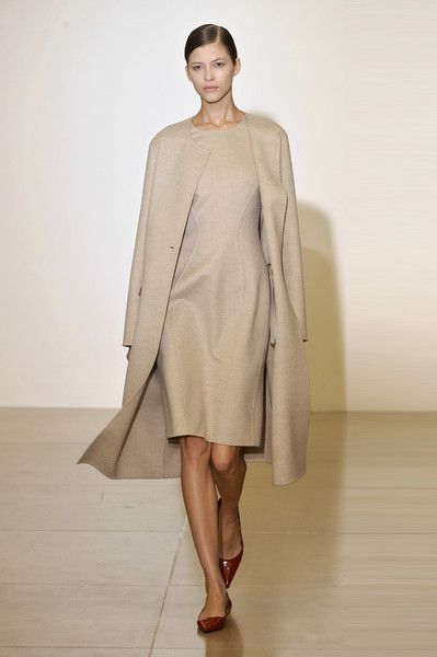 Jil Sander Fall 2009 In the late 90's moving into the 2000's, the minimalist look was becoming popular. Clean lines, silhouettes, and single colors are key to this look.