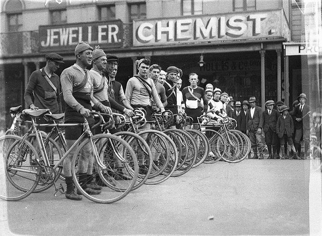 Line up of competitors at Goulburn, Goulburn to Sydney, Dunlop Road Race, c. 1930s