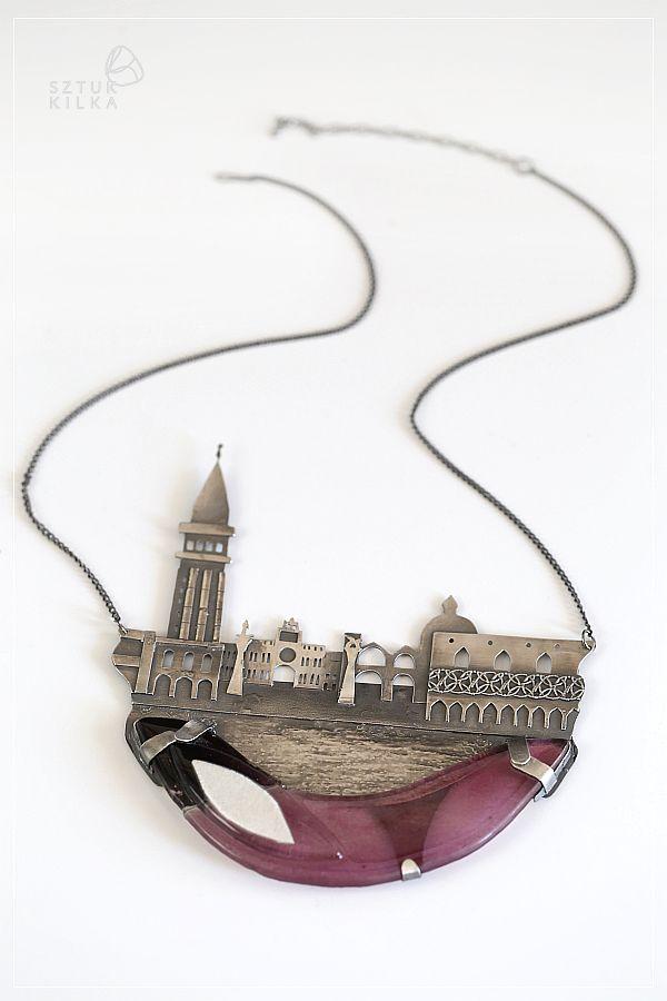 Morning in Venice - a necklace made of silver and glass.    Poranek w Wenecji - naszyjnik ze srebra i szkła z prawdziwym widokiem na wenecki brzeg :) http://sztukkilka.pl/sklep/poranek-w-wenecji/