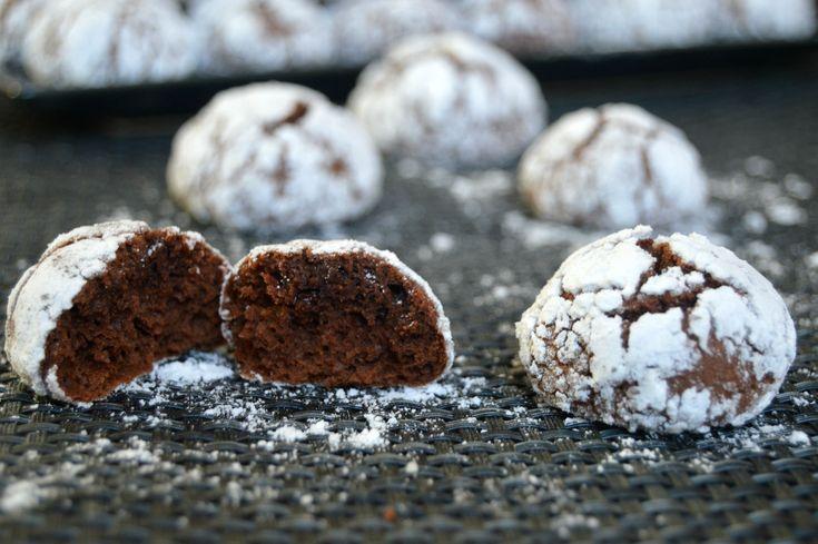 http://miremirc.ro/2015/01/05/chocolate-crinkles/