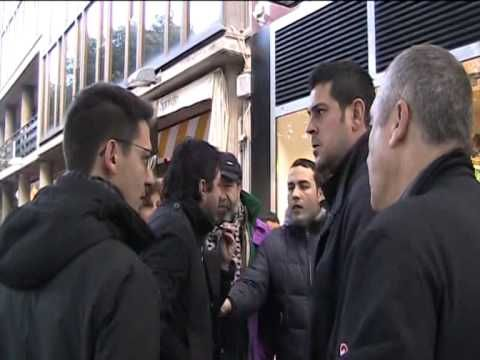 http://www.gds.it/gds/multimedia/cronaca/gdsid/317642/   «No ai gazebo», multe e chiusure: la protesta dei commercianti a Palermo. Quindici già sanzionati e quaranta nel mirino rischiano anche la chiusura per cinque giorni. L'Amministrazione però non ha ancora varato il nuovo piano per regolamentare gli spazi pubblici e i dehors.