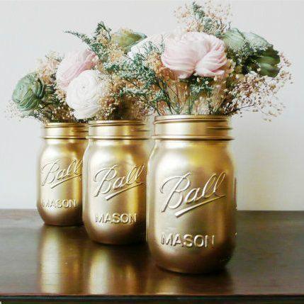 Gorgeous pint size gold mason jars | My Wed Style