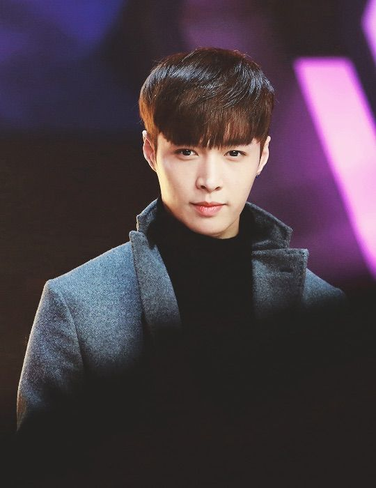 17 Best images about EXO Lay on Pinterest | Sexy, Leather ...