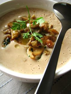 Menu fete par ex Velouté de châtaignes aux champignons