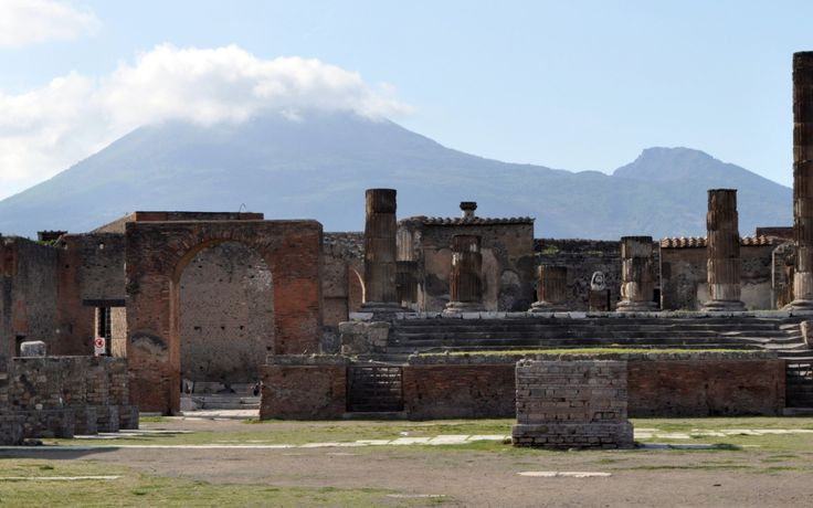 Pictures of Pompeii and a visit to the town