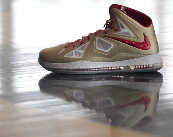 Nike LeBron X - Gold Championship PE. Nike Chaussures De ...