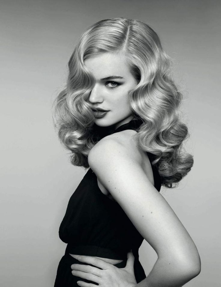 Long hair with waves like the late Actress Veronica Lake. Love it!!!!  85 coupes tendance de la rentrée