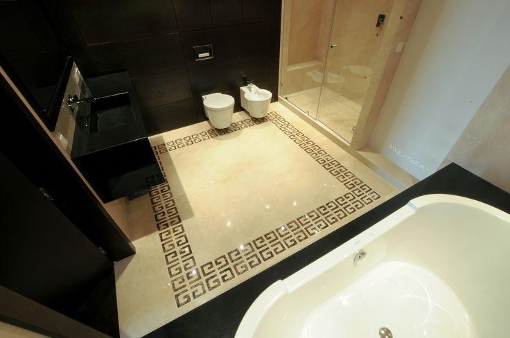 Floor - Crema Marfil and decorations - marble Emparador Dark. Worktop and bath tube - granite Nero Zimbabwe. @imarpolska Przedsiębiorstwo Kamieniarskie.
