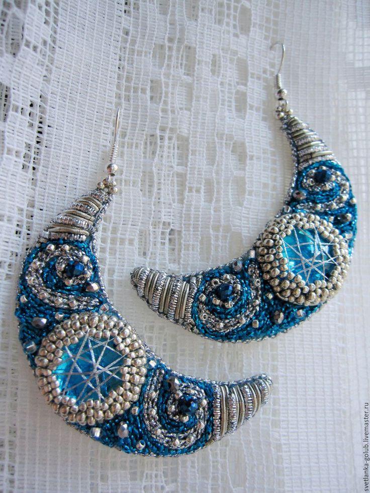 """Beaded earrings   Купить Вышитые серьги """"Лунная ночь"""" - голубой, синий, лазурный, серебристый, серебряный, серьги, полумесяц"""