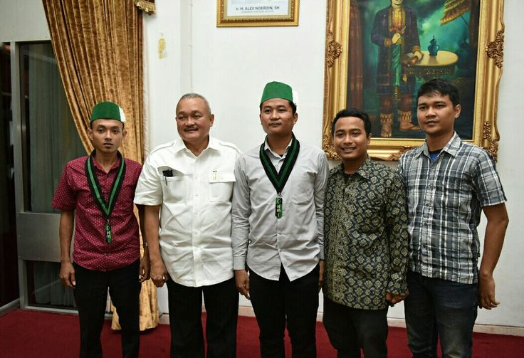 Gubernur Sumsel #AlexNoerdin Menerima Kunjungan kader Himpunan Mahasiswa Islam (HMI) dlm rangka Silaturahmi. Ayo bersama membangun Sumsel para intelektual muda.