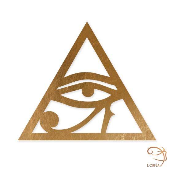 Oeil D'Horus L'Orféa Bijoux de peau en Or et Paillettes www.lorfea.fr  L'Oeil D'Horus est le symbole protecteur représentant l'Œil du dieu faucon Horus, rattaché au soleil. C'est aussi un symbole de puissance.