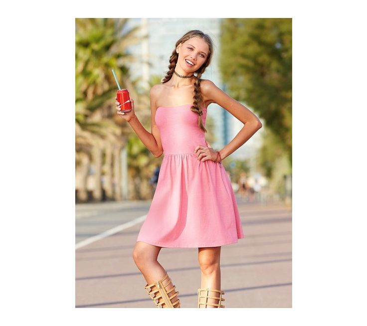 Krátké šaty bez ramínek | vyprodej-slevy.cz #vyprodejslevy #vyprodejslecycz #vyprodejslevy_cz #saty