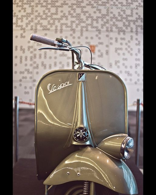 """doyoulikevintage: """"Vespa """" Follow http://thevintagologist.tumblr.com/ more than 10.000 posts of vintage lifestyle, design, fashion, art, cars, architecture, music and stuffs"""