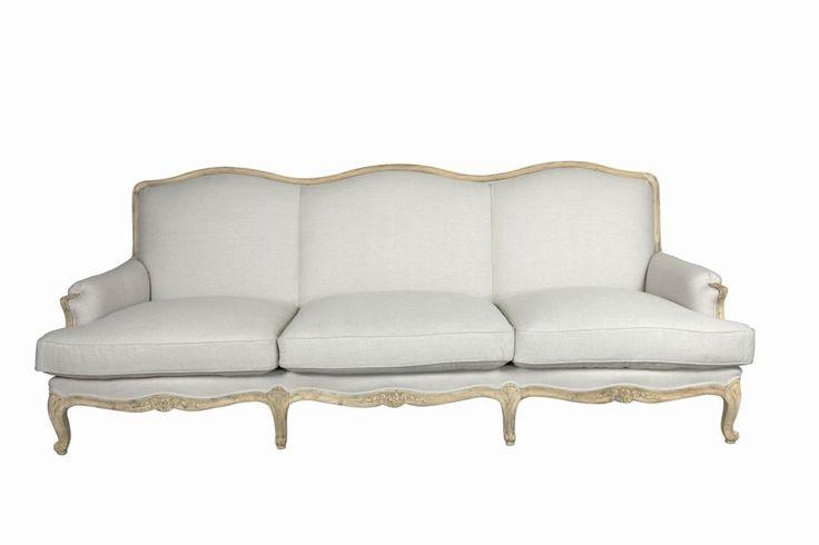 elegantní pohovka s ručně vyřezávanými detaily / stylový toskánský nábytek