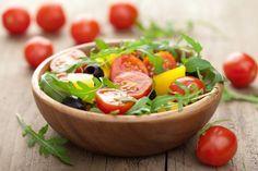 La dieta para prevenir demencias no es más que una dieta mediterránea rica en alimentos antioxidantes y ácidos grasos esenciales. Te proponemos un menú. #alimentatubienestar