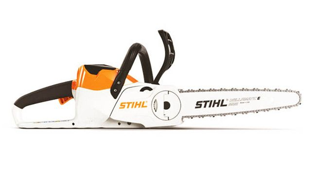 MSA 120 C-BQ Within the STIHL AK Series, the MSA 120 C-BQ is a great battery-powered chainsaw for suburban homeowners with various cutting needs. Part of the STIHL Lightning Battery System™ line of products, the MSA 120 C-BQ bundle comes standard with the AK 20 battery and AL 101 battery charger.