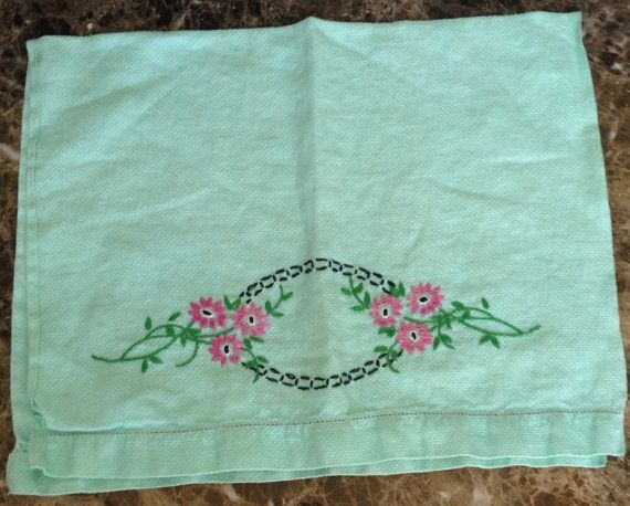 Vintage Embroidered Green Tea Towel // birdseye by historyofagirl