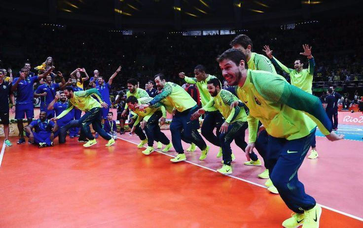 Estación Voleibol: BRASIL LOGRÓ EL TRICAMPEONATO OLÍMPICO EN VOLEIBOL MASCULINO…