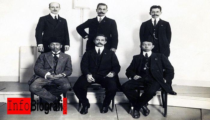 Biografi dan Profil Lengkap Dr. Cipto Mangunkusumo - Pahlawan Nasional Indonesia Anggota Tiga Serangkai - http://www.infobiografi.com/biografi-dan-profil-lengkap-dr-cipto-mangunkusumo/