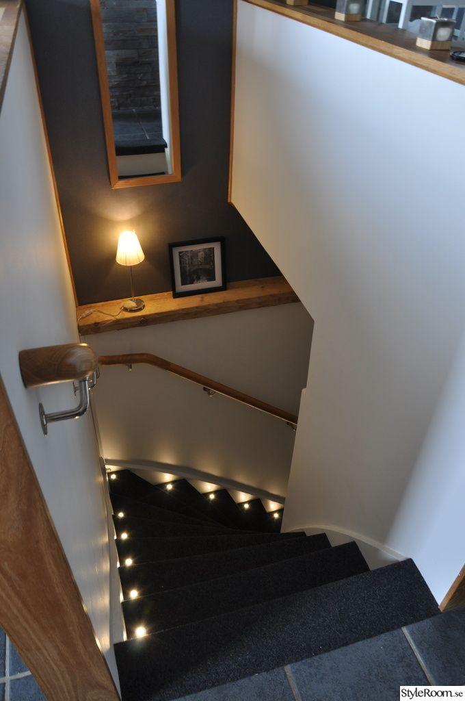 trappa,belysning,källartrappa