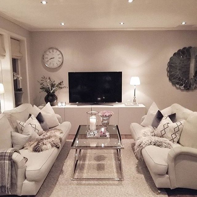 "4,539 Likes, 50 Comments - The Style Luxe & Videos (@thestyleluxe) on Instagram: ""OBSESSED with @henriettevheide living space  #thestyle"""