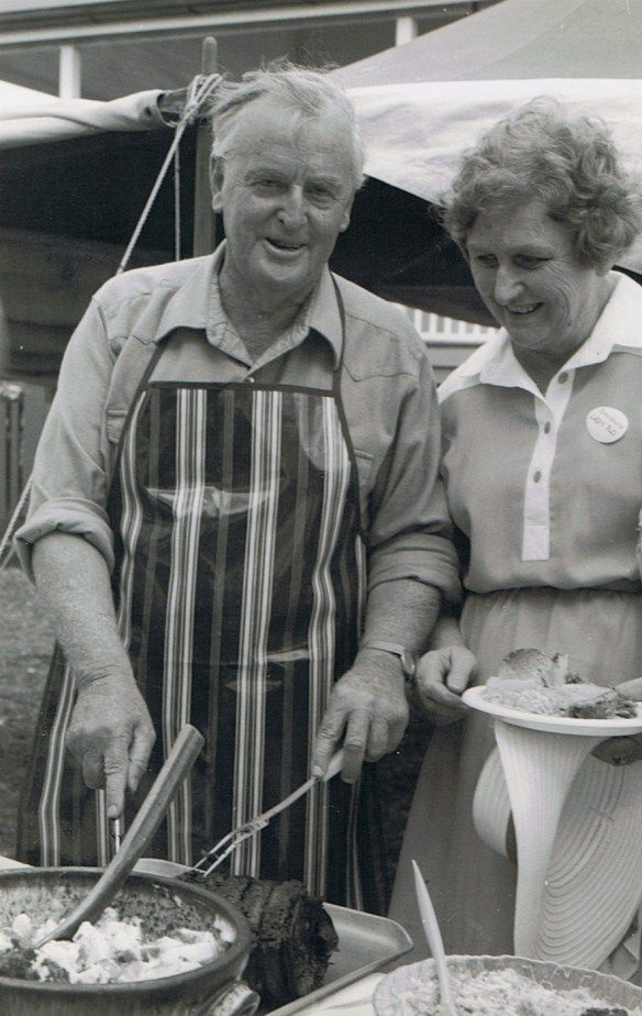 Joh and Flo Bjelke-Petersen • Flo and Jo at their home in Kingaroy Queensland preparing a barbie together • Australian mateship