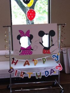 Cute Mickey Mouse birthday party photo idea