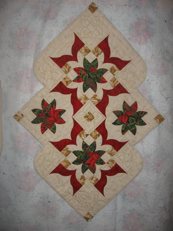 17 Best images about Christmas placemats on Pinterest Mini quilts, Quilt and Christmas tables